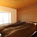 温かみのある安らぎの寝室