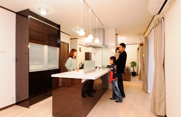 リノベーション・リフォーム会社:山商リフォームサービス「笑顔溢れるキッチンと光に包まれる安らぎのLDK」