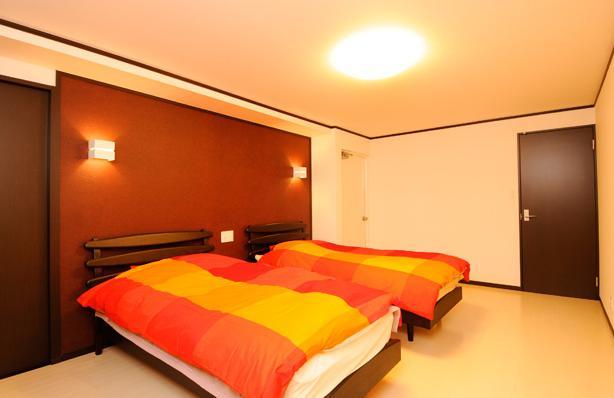 終の棲家としてこだわりの家作りの部屋 スペインをイメージした寝室