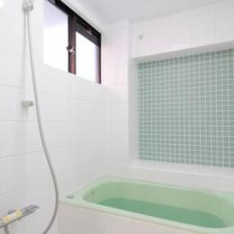 終の棲家としてこだわりの家作り (オリジナルデザインの浴室)