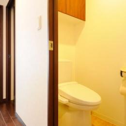 間取りの良さを引き出した開放的な住まいへ (トイレ)