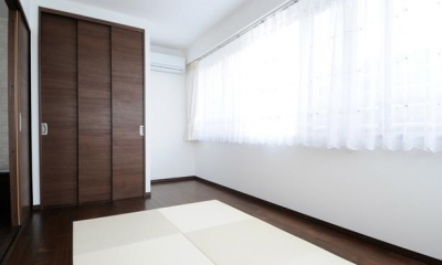 畳がアクセントの洋室|間取りの良さを引き出した開放的な住まいへ