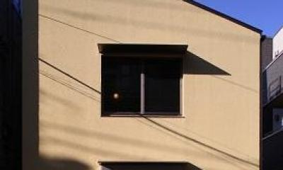 片流れ屋根のコンパクトな外観|東京都中野区F邸