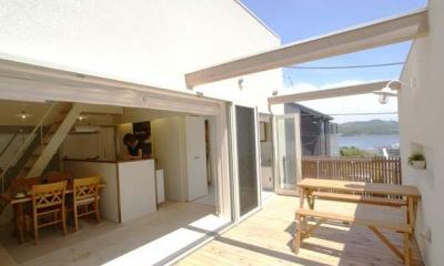 『海を望む家』建築家と建てる横須賀の狭小住宅 (海を望めるバルコニー)