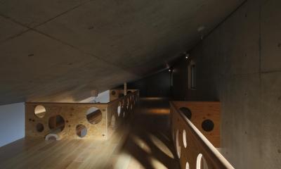 片流れ屋根のロフト|東京都中野区F邸