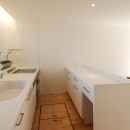 作業カウンターのある対面キッチン