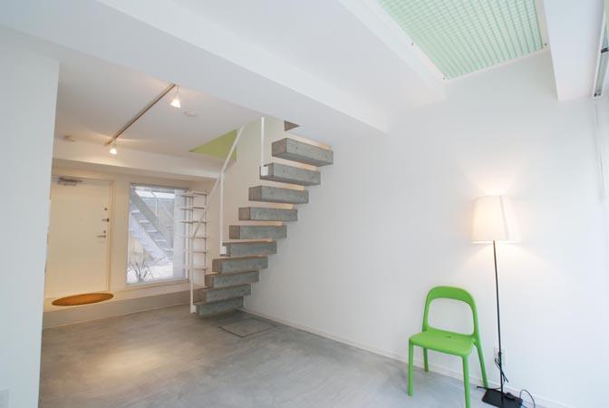 『collina』多様な価値感を受け入れるシンプルな箱の部屋 E3住戸-メゾネットタイプ