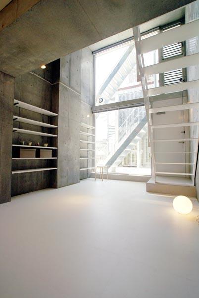 『collina』多様な価値感を受け入れるシンプルな箱の写真 W4住戸-メゾネットタイプ