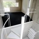 螺旋階段-玄関からリビングへ