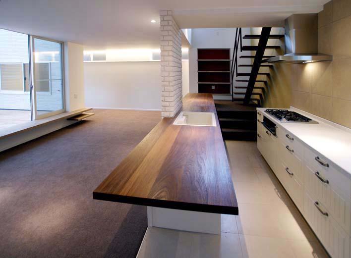 建築家:sakamotopie「『house-sgs』3階建ての二世帯住宅」