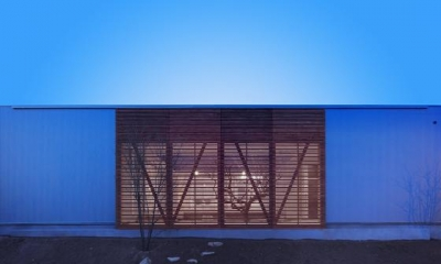 『公園前の家』明るくて風通しの良い住宅