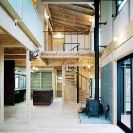 建築家 有島忠男の事例「『鹿児島の黒い家』木の温もり感じる和モダン住宅」
