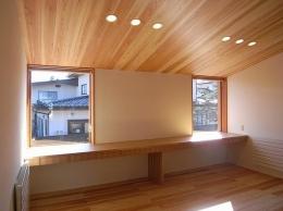 『小柴見の家』伸びやかに暮らせる和みの家 (木の温もり感じる子供部屋)