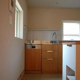長森の家 (明るくすっきりとしたキッチン)