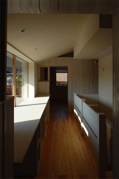 長森の家 (柔らかな光が溢れるホール)