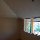 長森の家の写真 勾配天井の寝室