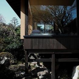 岩田坂の増築 (寝室を増築-庭に飛び出るような配置)