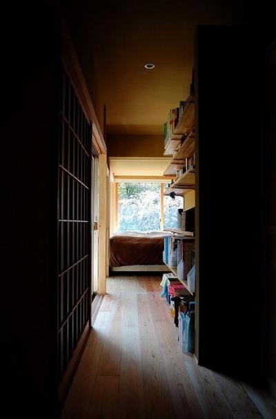 寝室につながる廊下 (岩田坂の増築)
