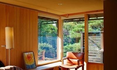 寝室-明るい光に包まれる寛ぎの空間 岩田坂の増築