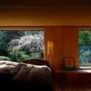庭を取り込む癒しの寝室