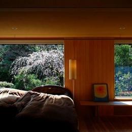 岩田坂の増築 (庭を取り込む癒しの寝室)