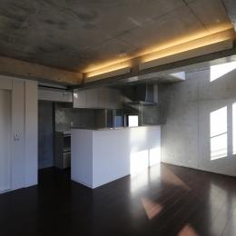シンプルなダイニングキッチン (東京都大田区Y邸)