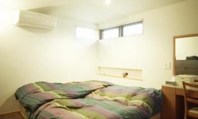 茜部のトンネルハウス (開放的なベッドルーム)