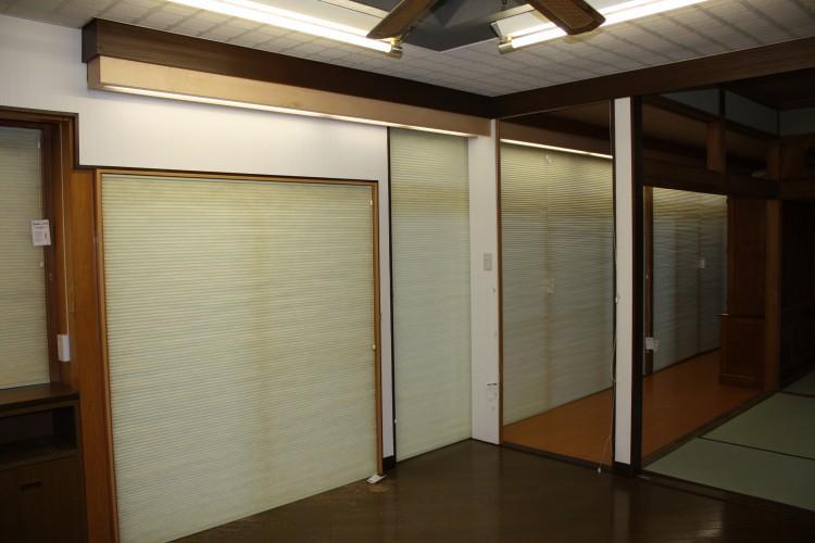 N邸エコリフォーム改修の部屋 既存南側サッシュにハニカムサーモスクリーンの効果1