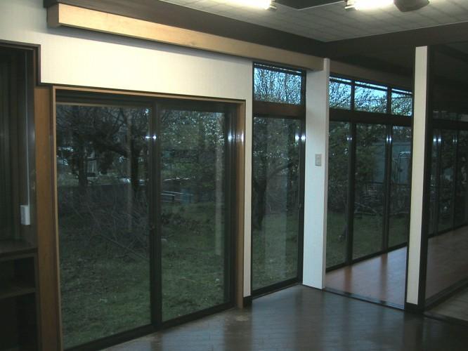 N邸エコリフォーム改修の部屋 既存南側サッシュにハニカムサーモスクリーンの効果2