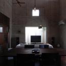 居間-太陽の動きを感じられる空間