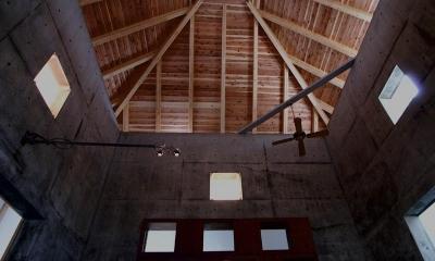 伝統の架構「わくのうち」|『黒いピラミッド』雪に対応した形・伝統の架構・4つの中庭