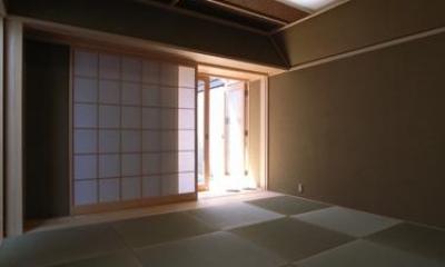 和室-客間|『黒いピラミッド』雪に対応した形・伝統の架構・4つの中庭
