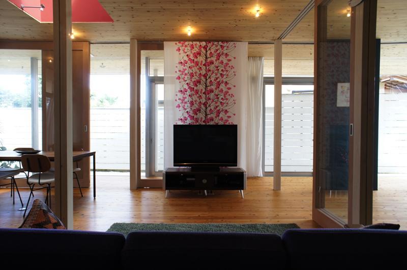 建築家:水野行偉「『菜園ののったフラット』3方向にひらいたコートハウス」