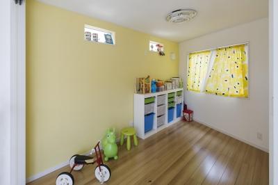 元気な黄色の子ども部屋 (子ども部屋)