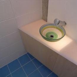 ガラスの手洗器