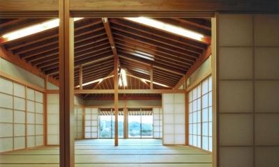 2間続きの和室|『武蔵野の家』桜の大木の別荘