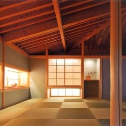 『武蔵野の家』桜の大木の別荘 (温かみのある和室)