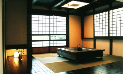 囲炉裏のある和室 『弘前の家』明るく風通しのよい住まいへ