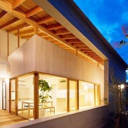 『コヤナカハウス』半屋外空間のドマがある家 (ドマ-ガラスのない大きな窓)