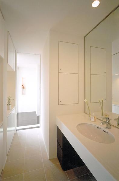 名古屋市N邸・リゾートホテル感覚の日常空間の部屋 ホテルライクな洗面室