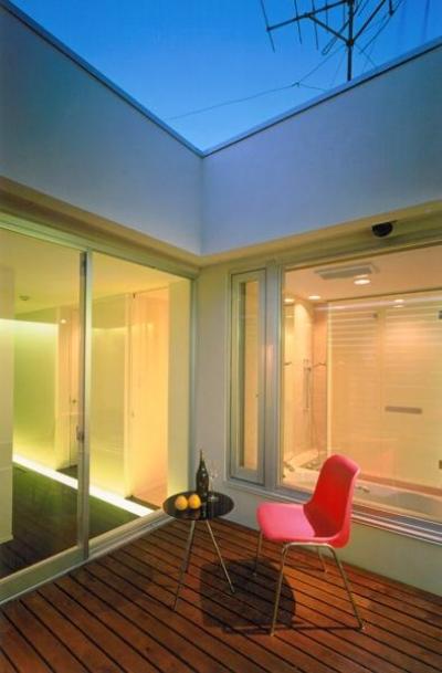 3階プライベートテラス (名古屋市N邸・リゾートホテル感覚の日常空間)