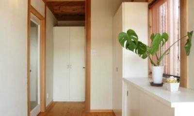 明るく開放的な玄関|N邸・伝統と現代の生活の調和を目指した邸宅