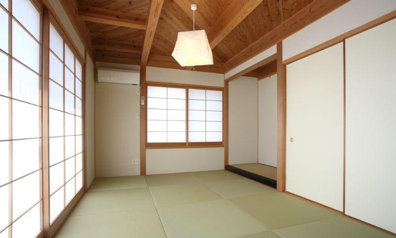N邸・伝統と現代の生活の調和を目指した邸宅の写真 和室