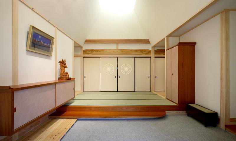 I邸・住職やその家族の住む邸宅の部屋 開放的な玄関ホール