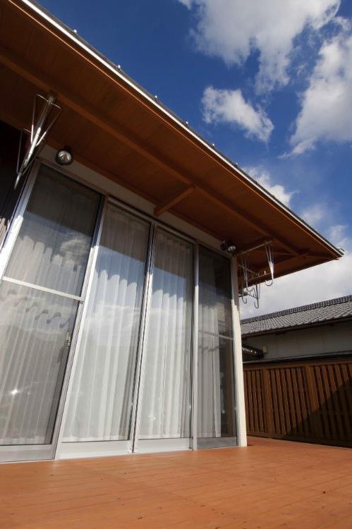 KO邸・二世帯住宅へ増築リフォームの部屋 開放的なデッキ