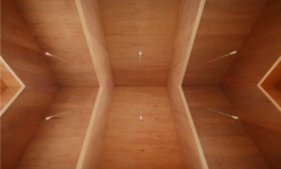 『コヤノスミカ』趣味を楽しめる空間、ゆったり寛げる空間 (吹き抜け・V梁を見上げる)
