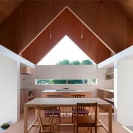 明るく開放的なダイニングキッチン (『コヤノスミカ』趣味を楽しめる空間、ゆったり寛げる空間)