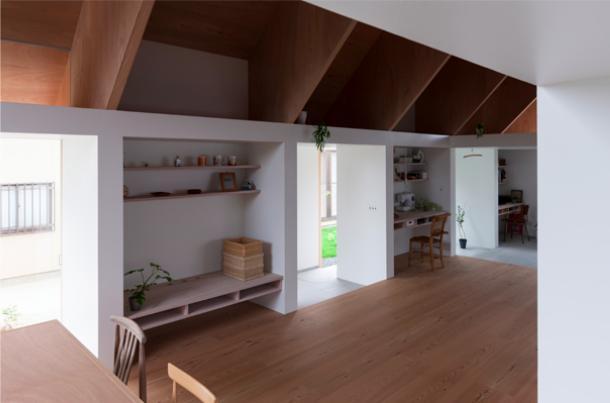 『コヤノスミカ』趣味を楽しめる空間、ゆったり寛げる空間の部屋 リビング・奥様の趣味スペース
