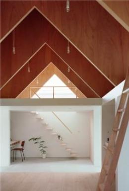 『コヤノスミカ』趣味を楽しめる空間、ゆったり寛げる空間 (1階土間・2階寝室)