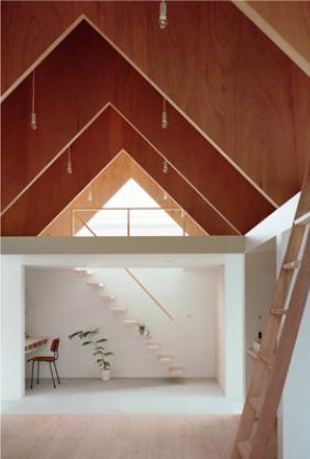 『コヤノスミカ』趣味を楽しめる空間、ゆったり寛げる空間の部屋 1階土間・2階寝室